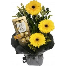 Arranjo Floral Gérberas com Ferrero