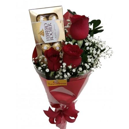 """Buquê """"Com 3 Rosas e Ferrero"""""""