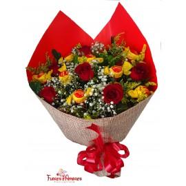 Buquê De Rosas Com Serenatas de Amor