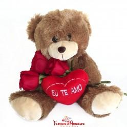 """Urso Com Rosas """"Carinho"""""""