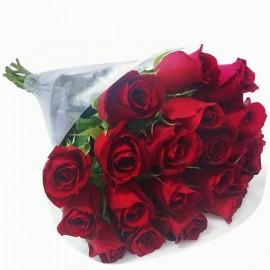 """Buquê """"Amores com 20 Rosas"""""""